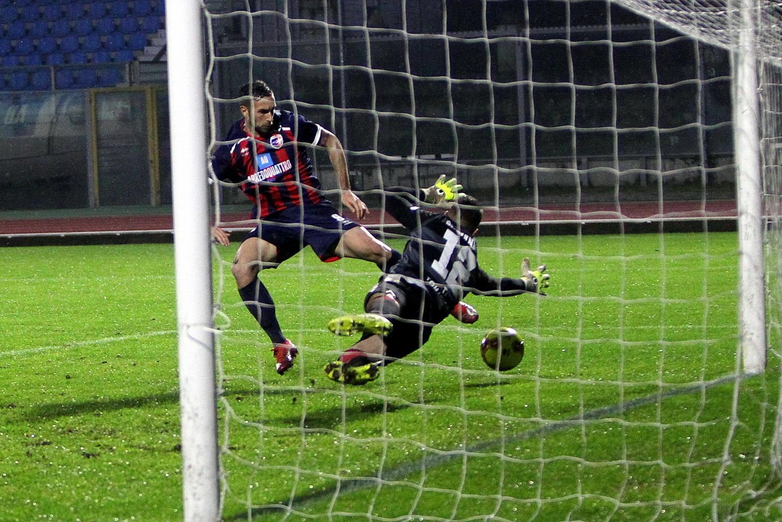 L'Imolese si sveglia nel finale, il derby va al Ravenna